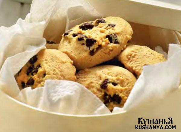 Фото Печенье с шоколадными «чипсами»