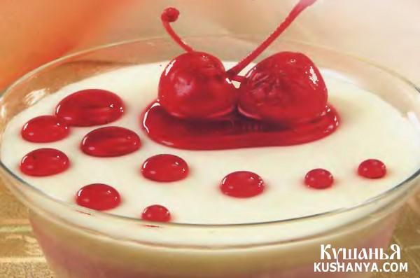 Фото Вишнево-банановый десерт из йогурта