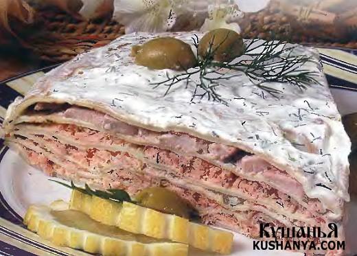 Фото Блинчатый пирог с лососем