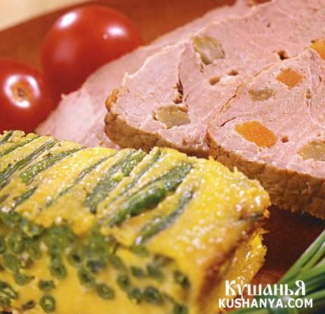 Фото Свинина, нашпигованная овощами и сыром