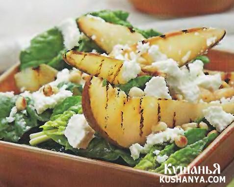 Фото Салат из жареных груш со шпинатом и сыром фета
