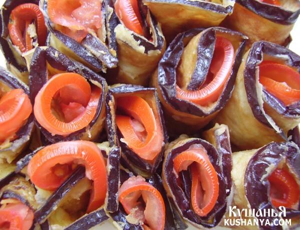 Фото Баклажаны с помидорами и чесноком