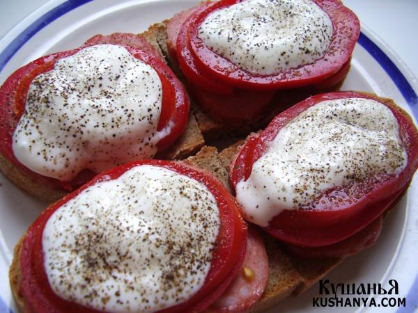 Фото Бутерброды с колбасой и помидорами