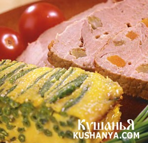 Свинина, нашпигованная овощами и сыром фото