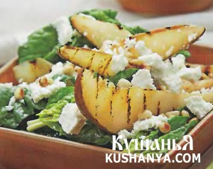 Салат из жареных груш со шпинатом и сыром фета фото