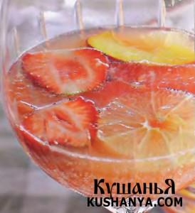 Летняя фруктовая сангрия фото