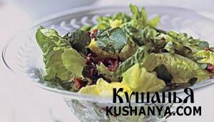 Зеленый салат с маслинами фото