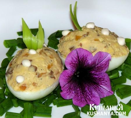 Фото Яйца фаршированные луком и грибами