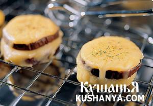 Фото Закуска из баклажан и копченого сыра
