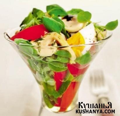 Фото Салат из шампиньонов и свежих овощей