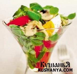 Салат из шампиньонов и свежих овощей фото
