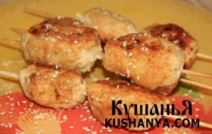 Куриные колбаски с кунжутом фото