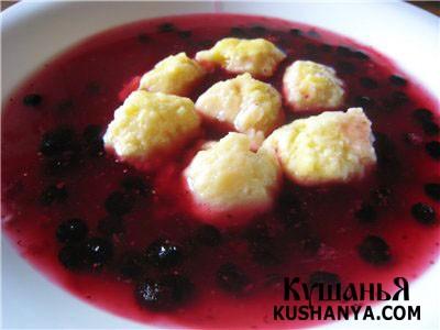 Фото Фруктовый суп с творожными шариками