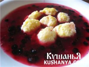 Фруктовый суп с творожными шариками фото
