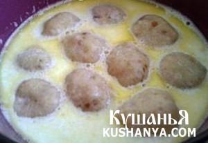 Суп молочный с хлебными фрикадельками фото