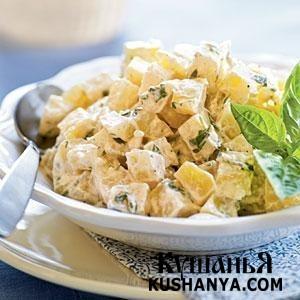 Салат с куриным филе, рисом и ананасами фото