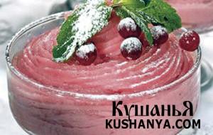 Десерт из манной крупы и ягод фото
