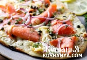 Пицца с копченым лососем фото