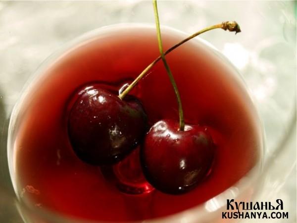 Фото Вишня в розовом вине