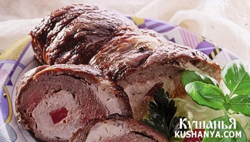 Фото Рулет из говядины с куриной грудкой