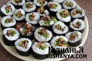 Вегетарианские суши с грибами в бульоне даши фото