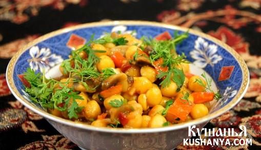 Фото Нут с грибами в томатном соусе
