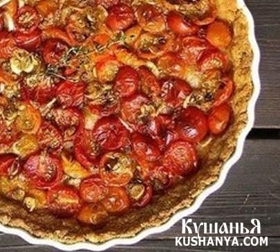 Фото Пирог на сырной основе с помидорами