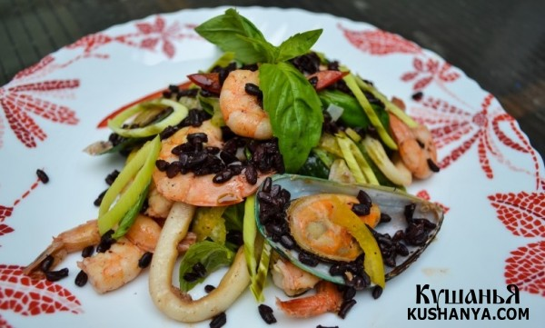 Фото Салат из морепродуктов