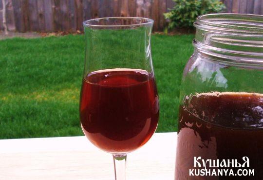 Фото Вино из черной смородины