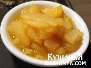 Тушеные яблоки в духовке с корицей и ромом фото